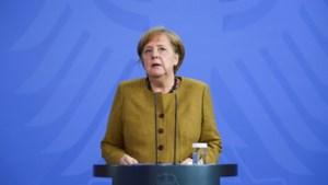 De strijd om Merkels opvolging: wordt het de volksman of partijman?