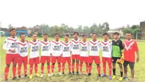Indonesische voetballers in tenues van MVC'19 Maasbree