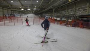 Helemaal uit Rotterdam naar Landgraaf voor één dagje skiën: 'Eindelijk weer eens een dagje uit'