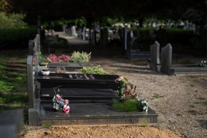 Wie in Limburg een grafplek wil, moet gemiddeld 140 euro méér betalen