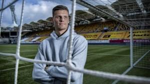 Roda-doelman Jan Hoekstra wil nu nog graag uitblinken mét publiek: 'Meer druk zou goed zijn voor mij'