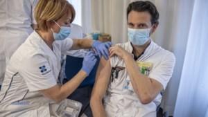 Zuyderland heeft buik vol van het 'vaccinatie-zwabberbeleid' en wil doorprikken met AstraZeneca