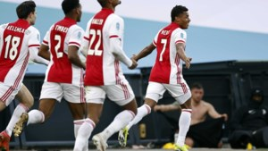 Ajax verslaat Vitesse in bekerfinale met 2-1 dankzij doelpunt in blessuretijd van David Neres