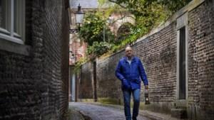 """Het 'Stille licht van Maastricht' biedt dagelijks troost: 'Deze lamp geeft hoop"""""""