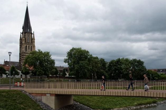 Stadswandeling op Koningsdag door historisch centrum van Sittard