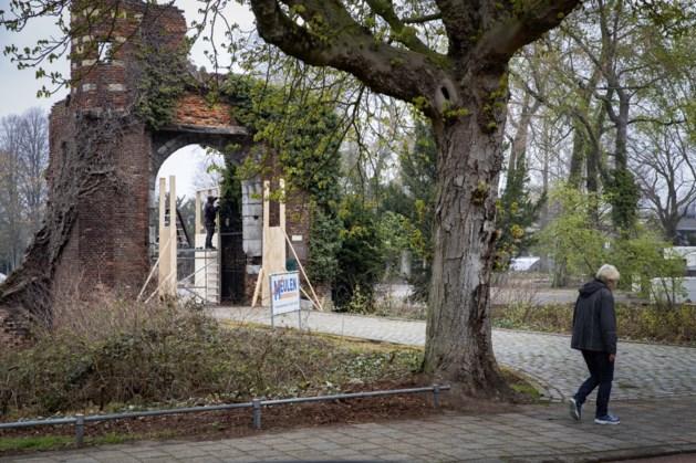 Kasteelpoort van Weert krijgt eerst plek in de luwte om straks te dienen als blikvanger van vernieuwde stadspark