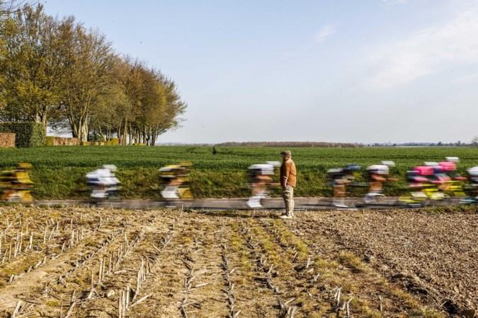 Spijkers langs parcours Amstel Gold Race, motards rijden lek