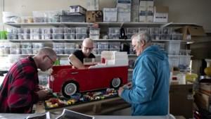 Geert (57) en zijn vrienden bouwen graag met Lego: 'Iets voor kinderen? Dat is achterhaald'
