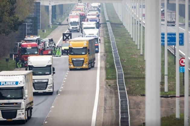 Zwaar ongeval met meerdere auto's veroorzaakt lange file in België