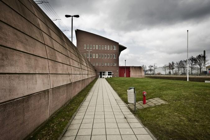 Medewerkster gevangenis Roermond ontslagen na ongewenst contact met gedetineerde