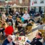 Rutte: burgemeesters moeten strenger optreden tegen drukte op terrassen en in winkels