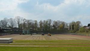 Nieuwe grasmat voor oud Roda-stadion op Kaalheide