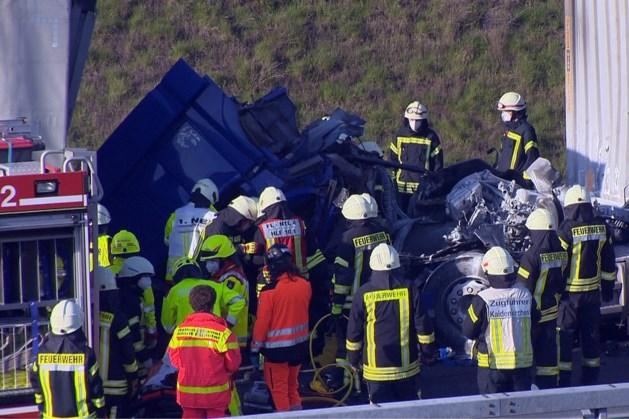Zeer ernstig ongeval: vrachtwagenchauffeur met traumahelikopter afgevoerd