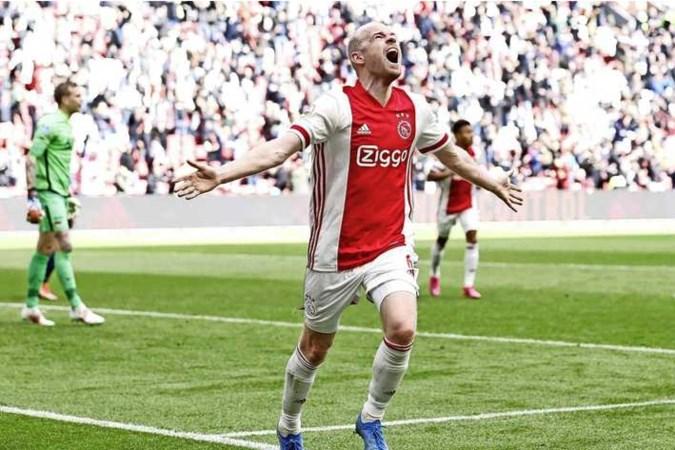 Ajax klopt AZ en is officieus kampioen