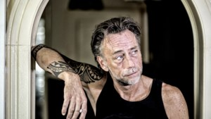 De Keulse band Höhner ontslaat gitarist Joost Vergoossen uit Echt per direct om zijn corona-posts op social media