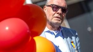 Herman Evers, voorvechter van blinden, geridderd; man achter witte ribbels op stations zit nu in de 'eredivisie'