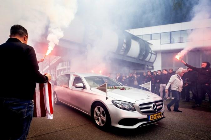 De KNVB sloeg de plank finaal mis rond minuut stilte voor Willy van der Kuijlen: herdenken is niet te vangen in een ijzeren protocol