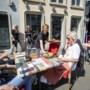 In Venlo bleef een enkel tafeltje leeg tijdens de heropening van de terrassen