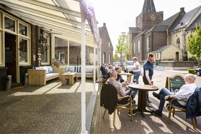 Uitbaatster woedend: overdekt terras in Herkenbosch moet anderhalf uur na opening alweer op slot