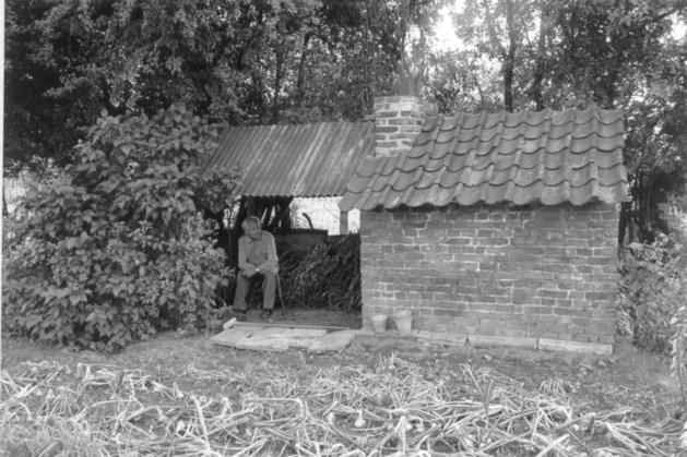 't Bakkes ien Eèsjde: slechts een enkel bakhuisje wordt als monumentje in ere hersteld