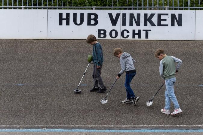 Golf aan lekke banden door mysterieuze ijzersplinters op wielerbaan Geleen: jongens uit de buurt bieden hulp