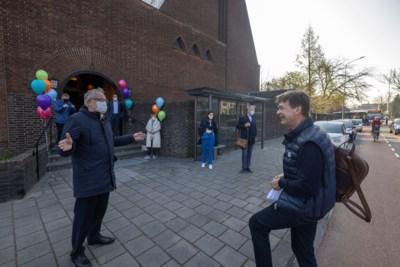 Revaliderende burgemeester Roel Wever weer aan het werk na zware hartoperatie: 'Ik kwam thuis amper een trap omhoog'