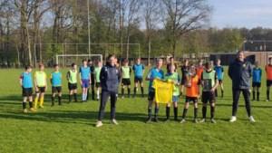 VVV overhandigt jeugdteam Wittenhorst alsnog shoot out-trofee