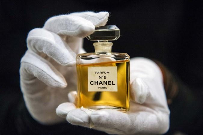 Het beroemdste parfum ter wereld bestaat honderd jaar: wat is toch het succes van Chanel N°5?