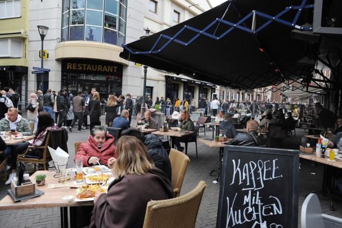 En toen werd het toch nog erg druk in de Limburgse steden: 'Het is net Black Friday hier'