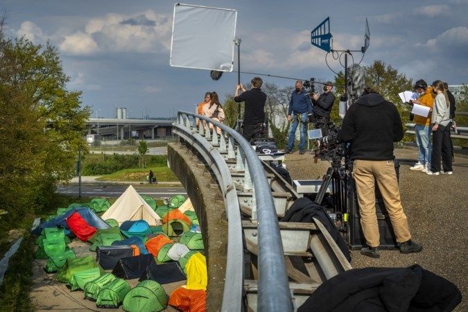 Hoofdrol Angela Schijf in eerste film Toneelgroep Maastricht: 'Mensen plakken Flikken Maastricht op me'