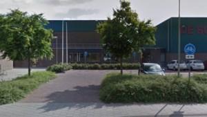 Geen handtekening, geen uitbouw: raad stelt besluit over aanbouw sporthal Reuver uit