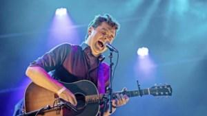 """Het nieuwe album van Paul de Munnik gaat over zelfvertrouwen: """"Ik maak muziek op mijn manier."""""""