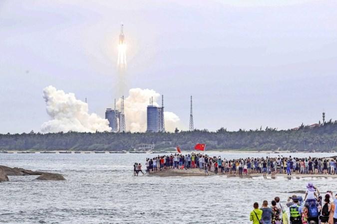 Chinese raket stort neer op de aarde, maar waar zal het gebeuren?
