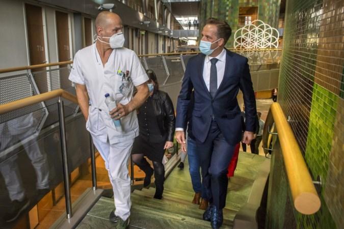 Coronaminister Hugo de Jonge op bezoek in Zuyderland: een goed gesprek over een boze brief