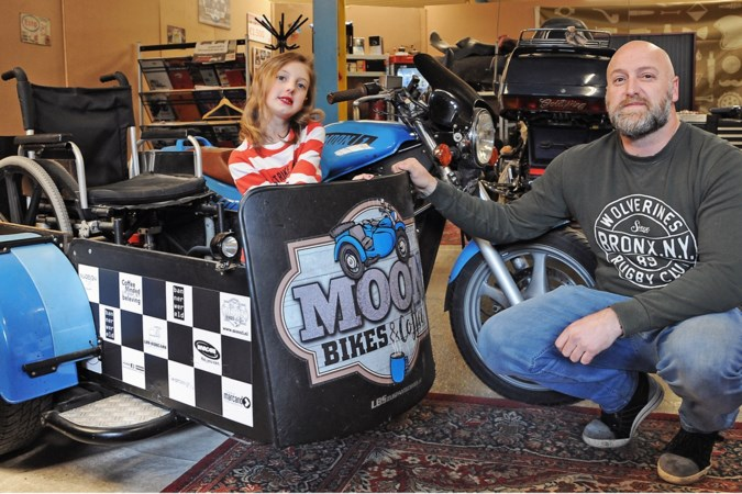 Een motorrit met je rolstoel in een zijspan: de Moonbikers uit Venlo rijden elke week een MA-Run zonder beperkingen