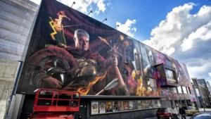 Drieluik op muur Quatro Cinema Heerlen voltooid: van Griekse god en gladiator tot Romein in hinderlaag