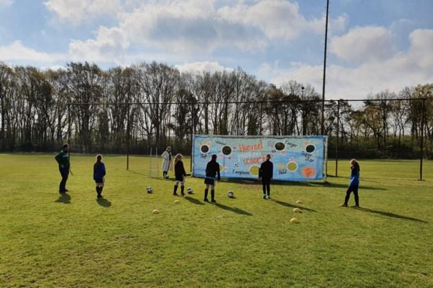 Jongens en meisjes kunnen kennis maken met voetbal bij VV Bieslo