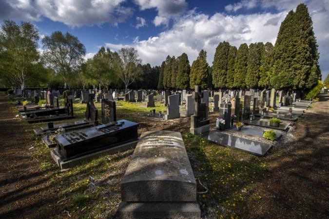 Maastricht ruimt 861 grafstenen op begraafplaats Tongerseweg