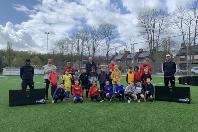 Echte voetbaltrainers, een wereldkampioen én trainen als Messi: voetbalclinic Eygelshoven heeft het allemaal