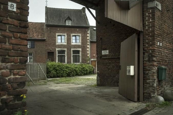 Zes woningen en groepsaccommodatie in monumentale hoeve Dobbelsteyn in Margraten