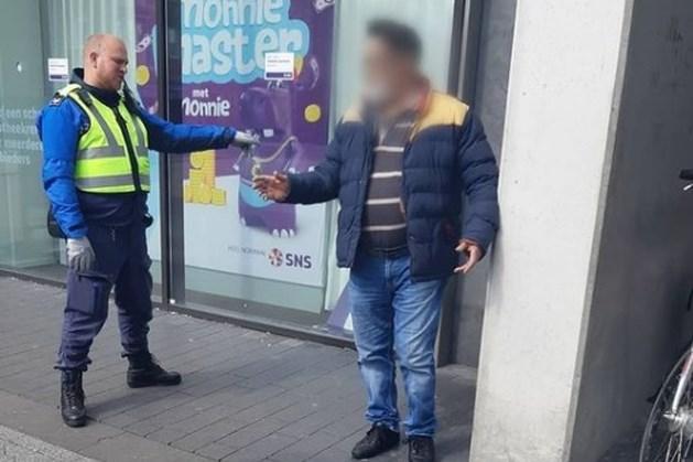 Handhavers in Geleen betrappen winkeldief op heterdaad