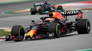 Verstappen in Barcelona geklopt door meesterzet Mercedes