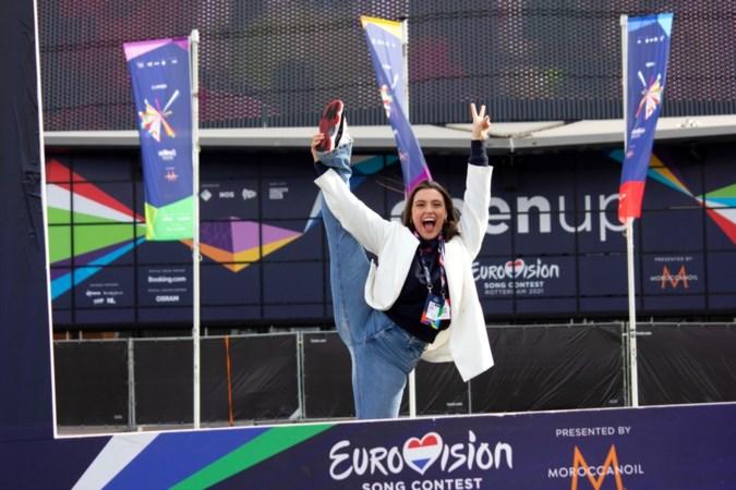 Beekse Lotte danst als stand-in op Songfestival: 'Dit ga ik nooit meer meemaken'