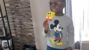 Jochie (4) koopt online voor 2500 euro aan ijsjes met creditcard van zijn moeder