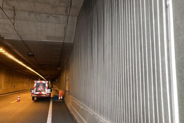 Ravage in Swalmentunnel A73 na ongeluk met vrachtwagen