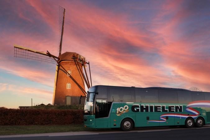 Na dik een jaar stilstand begint Ghielen met proefdagtochten: 'We willen iedereen weer laten wennen aan vervoer per touringcar'