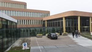 Plein bij hoofdingang ziekenhuis Roermond voortaan autovrij