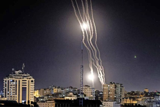 Palestijnen vuren tientallen raketten af op Tel Aviv