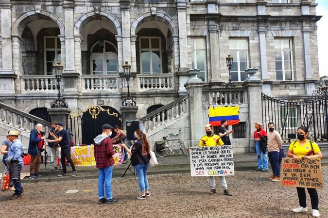Demonstranten Maastricht solidair met volk Colombia