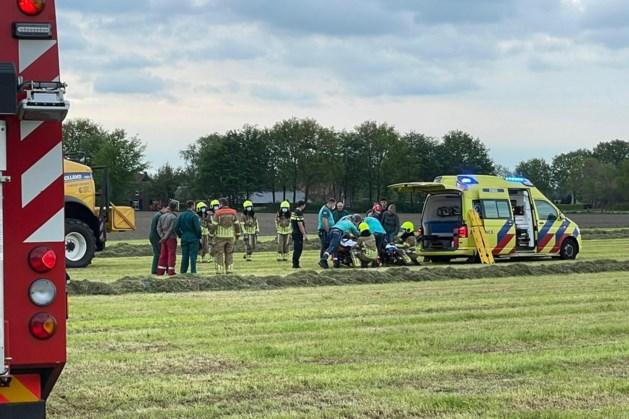 Man ernstig gewond na ongeluk met landbouwvoertuig